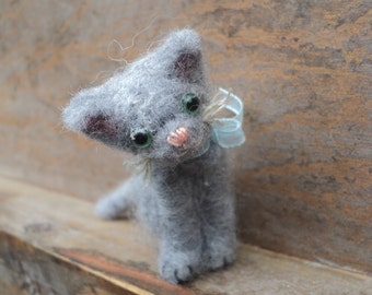 Miniature needle felted grey cat (No.2)