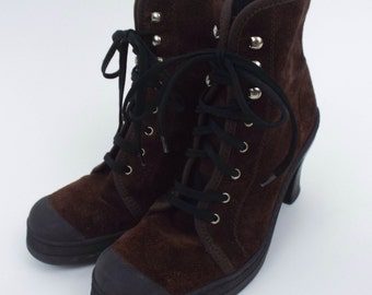 Vintage 90s Brown Suede Rubber Toe Lace-Up Boots -- Size 6.5