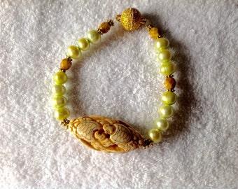 Bracelet Pearls Turtles
