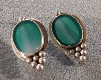 Vintage Sterling Silver 2 Large Oval Striated Green Glass Beaded Raised Relief Design Euro Wire Pierced Dangle Earrings        **RL