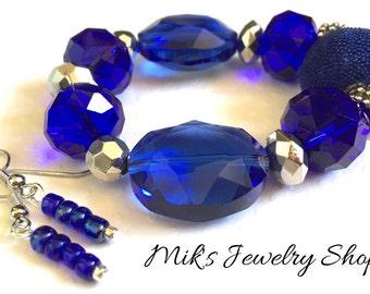 Navy blue bead bracelet - Navy blue bracelet for women - Blue stretch bracelet - Blue beaded Bracelet - Blue Crystal Bracelet -Navy Blue