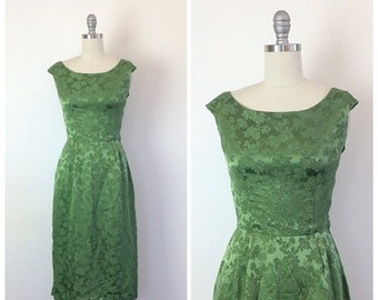 SUMMER SALE /// 60s Green Floral Brocade Wiggle Dress / 1960s Vintage Cap Sleeve Rose Print Party Dress / Small / Size 4