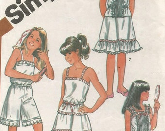 5804 Simplicity Sewing Pattern Girls Camisole Slip Size 12 30B Vintage 1980s
