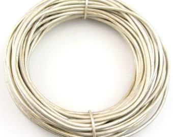 Pearl Metallic Round Leather Cord 2mm 25 meters (27 yards)