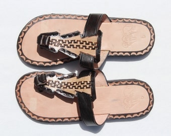 Brown Leather Mexican Shoes-Flip Flops-Sandals-Hippie-BOHO- Tribal- Shoes- Summer- Vintage Style