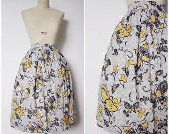 SALE | Vintage 1950s Novelty Print Skirt | 1960s Full Grey Skirt | 60s Butterfly Print Skirt | XS