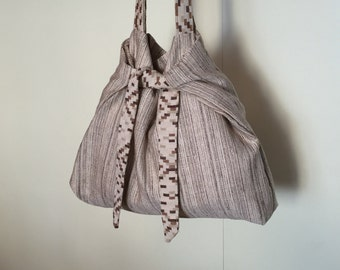 Shoulder striped beige cloth bag