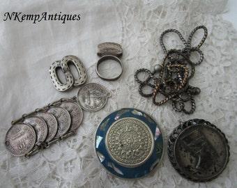 Vintage broken jewellery destash