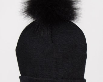 Genuine fox fur or finraccoon pompom winter tuque beanie