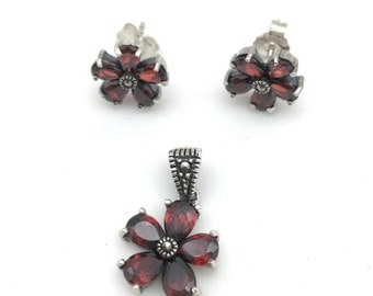 3 Piece Garnet Flower Set