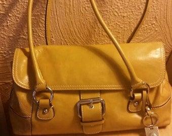 Vintage leather Giani Bernini handbag, purse, shoulder bag.