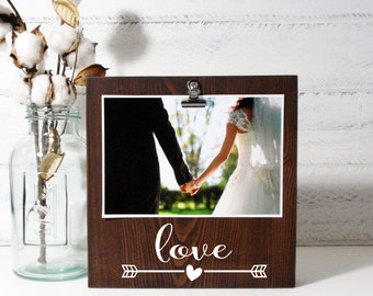 Wood Block Photo Holder-Love Arrow- Country Decor- Rustic Decor- Farmhouse Decor-Wedding Gift- Wedding Decor
