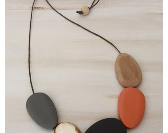 Wooden Bead Necklace/handmadenecklace/woodennecklace/woodengeometric/handpaintedbeads/trendingjewellery/giftideas/modernnecklace/necklace