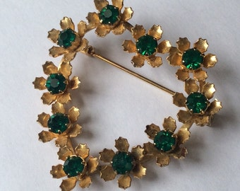Vintage Heart Brooch Pin, Green Crystal Rhinestone Heart Brooch, Gold Heart Brooch , 1950s Rockabilly Vintage Costume Jewelry