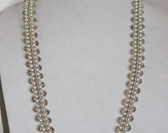 Pearl Lace Long Necklace