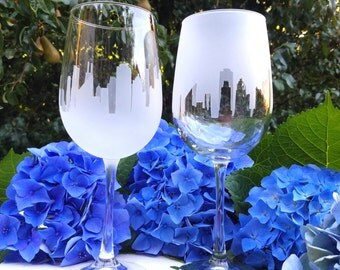 New York Skyline Wine Glasses, (Set of 2), Wine,Gift for him,Wine lovers,House warming gift,New York Wine