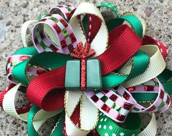 Christmas bow, Santa hair bow, Christmas layered bow. Baby Bows Holiday. Hair bow Red and Green. Stacked hair bow, Girl hair accessory,