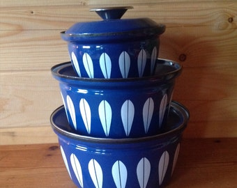 1970s Iconic Cathrineholm Lotus Blue with White Pan Set - vintage cookware - Scandinavian cookware