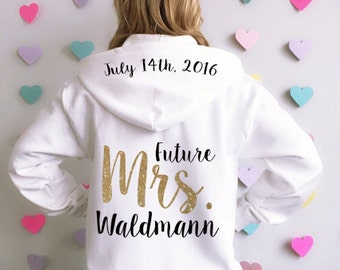 Bride Hoodie Jacket. Bridal Sweatshirt. Wedding Sweatshirt. Bride Jacket. Bridal Hoodie. Custom Bride Hoodie with date. Last Name