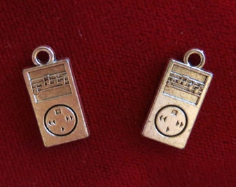 "10pc ""MP3 player"" charms in antique silver style (BC852)"