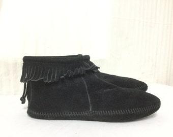 Free Ship Minnetonka Size 9.5 Moccasins Black Fringed Shoes Booties