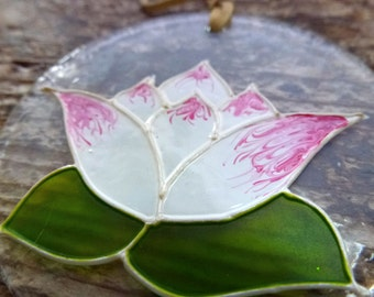 Glass pendant – Water lily