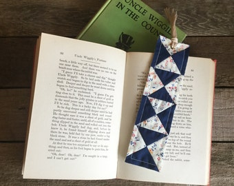 Quilt Block Bookmark, x-pattern - vintage & new fabric