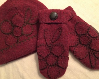 D17   Felted wool hat and mitten set  size small