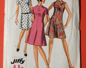 Vintage dress pattern Simplicity 7161 Simple To Sew Jiffy dress pattern Size 10