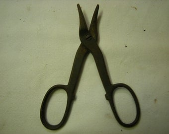 old scissors-rusty scissors-garage item-tool-hardware-tool collection-wall decor-