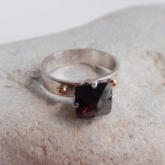 Sibyl - OOAK sterling silver ring with spinel crystal and gold accents