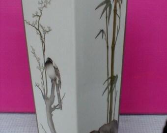 Hand painted porcelain vase with Oriental decoration