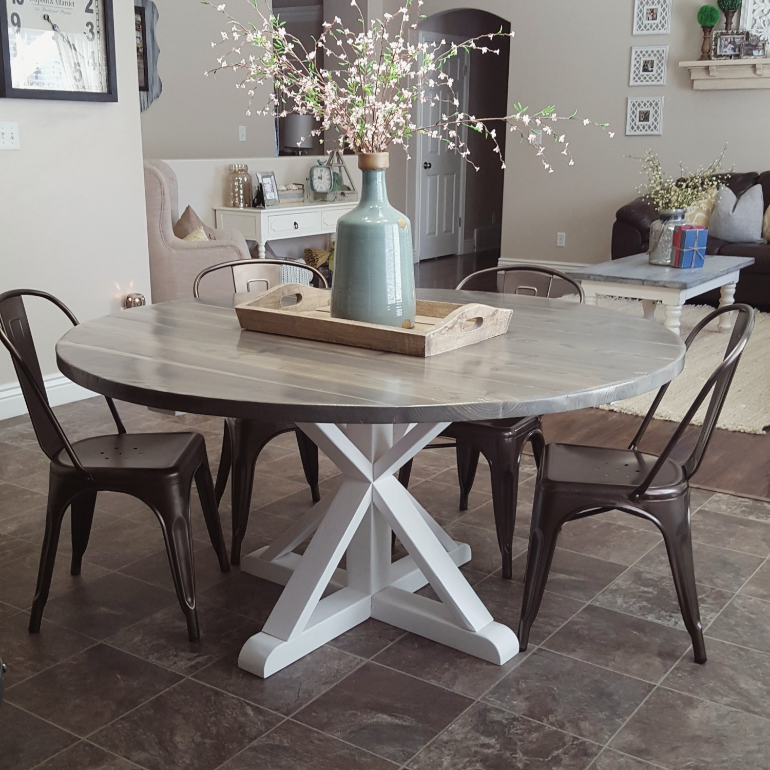 Round Kitchen Tables: Rustic Handmade Round Farmhouse / Dinning Table