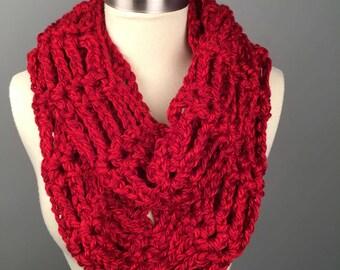 WOMEN'S CHUNKY LADDER Infinity Crochet Scarf, Crochet Infinity Scarf, Gifts for her, Scarves, Women's crochet scarf,Winter Accessories. Cowl