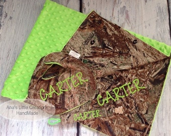 Custom Personalized 3pc Set Camo Mossy Oak Duck Blind Baby Blanket with name, Reversible Bib, Universal Pacifier Clip Set