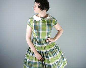 50s CHECK print dress in bright GREEN - full skirt and preppy Peter Pan COLLAR with tie neck - rockabilly cotton day dress - S