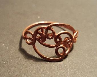 Freeform hammered wire ring
