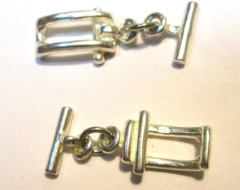 One Vintage Sterling Silver Toggle Clasp