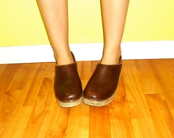 70s Clogs Wooden Platform Wedge Mary Janes Two Tone Brown Rust Leather Round Toe Wood Heels Shoes Size 8 8.5 1/2 39 40 Multnomah