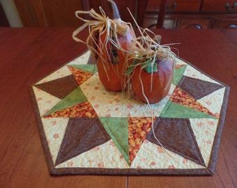 Autumn Table topper, Fall Table mat, Fall table Centerpiece, Quilted Table Mat, Autumn Quilted Table Mat