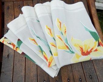 Mid Century Set of Six Stamped Floral Gladiola Cloth Dinner Napkins - Modern Stylized Yellow Glads - Set of Six VIntage Cloth Dinner Napkins