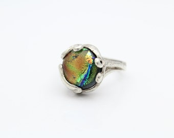 Vintage Art Nouveau Style Ring With Dichroic Glass in Sterling Silver Size 7. [8719]