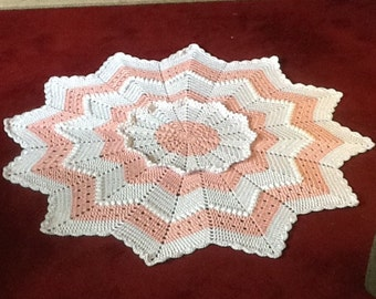 Custom made round baby blanket