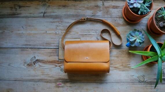 Saba / Crossbody bag