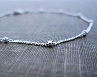 Delicate Silver Bead Bracelet // Sterling Silver Beaded Chain Bracelet // Silver Orbit Bracelet