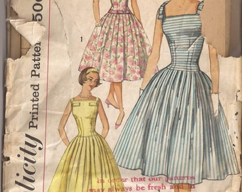 Simplicity 2570 Junior Miss Dress Pattern, Size 13, Bust 33. Vintage 1950's