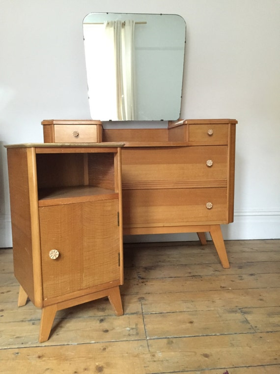 Vintage homeworthy blonde dressing table and bedside cabinet for Dressing table cabinet