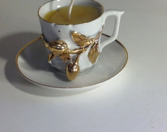 Gold and white vintage teacup candle