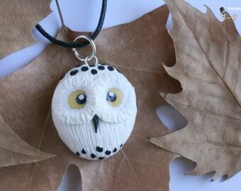 Necklace Owl albino.