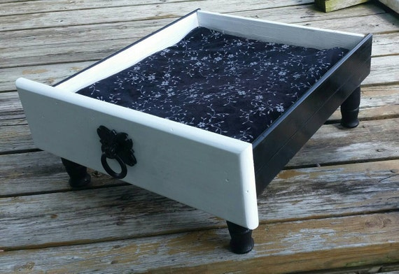 Luxury Black and White Footed Cat Bed